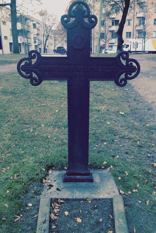ChristianGustaf-grave-r2
