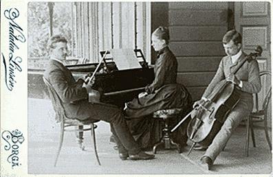 Sibelius_family_trio