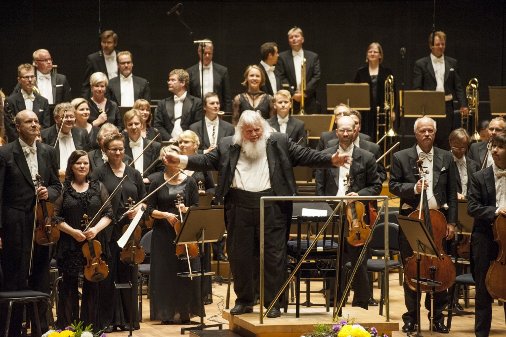 Leif Segerstam and the Helsinki Philharmonic Orchestra (photo: © Juha Tanhua)