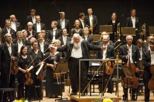 Leif Segerstam and the Helsinki Philharmonic Orchestra (photo: © Juha Tanhua)
