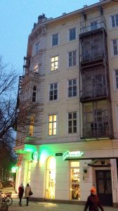 Sibelius lived in Vienna, Waaggasse 1, when he composed the Overture and Balettscen. He rented the best room in a large apartment here. Photo: © Sibelius One